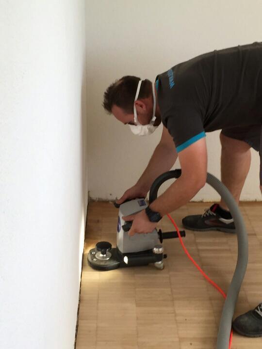 parkett reinigung f r einen strahlenden boden a plus reinigungen. Black Bedroom Furniture Sets. Home Design Ideas